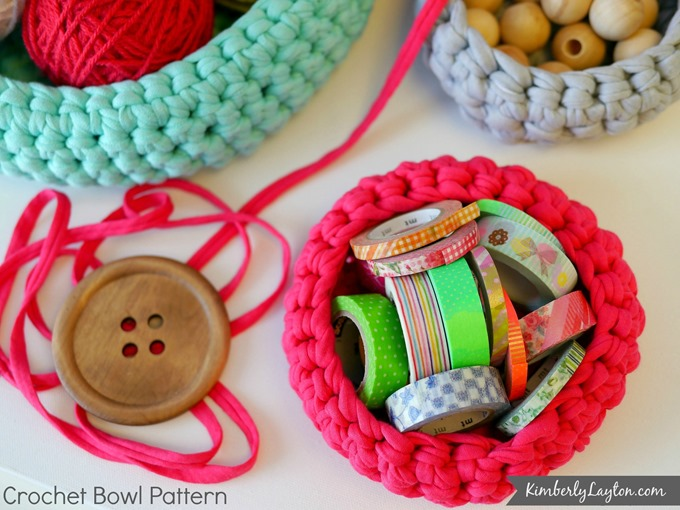Handmade Crochet Bowl Pattern {free} on KimberlyLayton.com