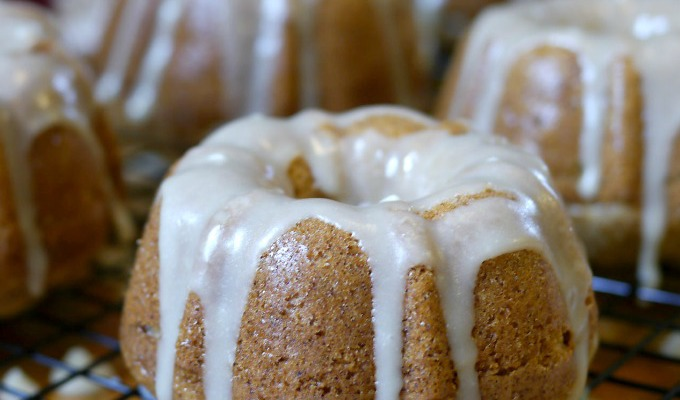 Mini Apple Bundt Cake Recipe