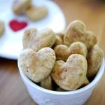 Make-Homemade-Dog-Treats-Recipe-at-KimberlyLayton.com_thumb.jpg